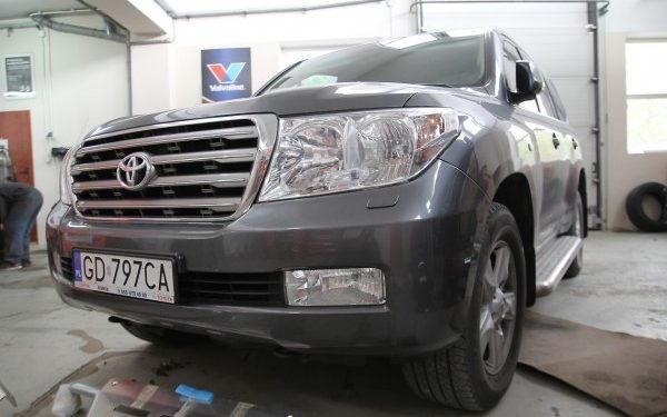 Toyota Land Cruiser V8/lc200